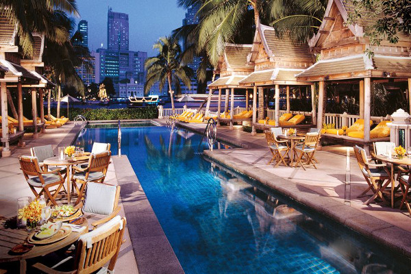 The Peninsula - Outdoor Pool and Lounge Area