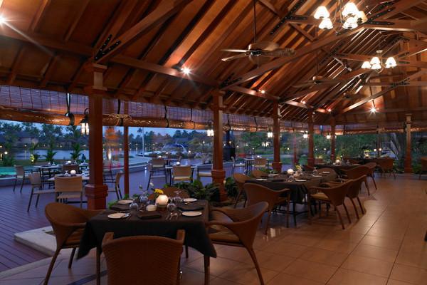 The Zuri Kumarakom  - Dining 3