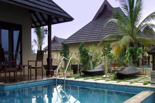 The Zuri Kumarakom  - Poolside View 1