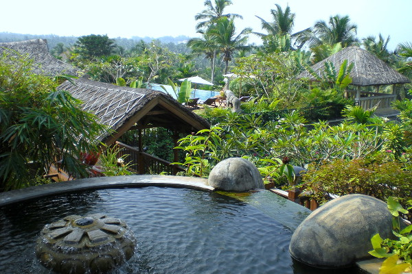Vivanta By Taj - Kovalam - Poolside View 1