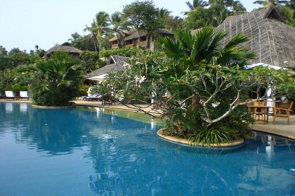 Vivanta By Taj - Kovalam - Poolside View 2